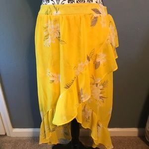 EUC A New Day Size Large High Low Yellow Skirt